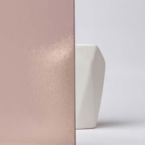 Szkło ornamentowe – nowoczesny sposób na dzielenie pomieszczeń