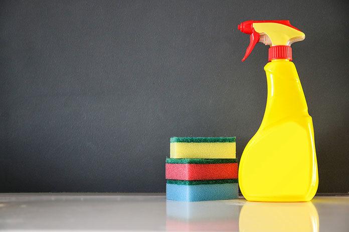 Jak przechowywać środki czystości?