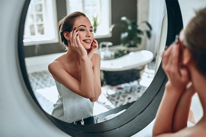 Kształt wielkość lustra do łazienki