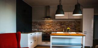 Stara cegła we wnętrzach oraz imitacja cegły jako nowoczesny sposób wykończenia wnętrz
