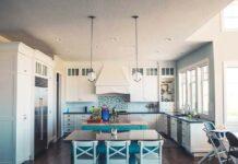 Trzy pomysły na lampę do nowoczesnej kuchni