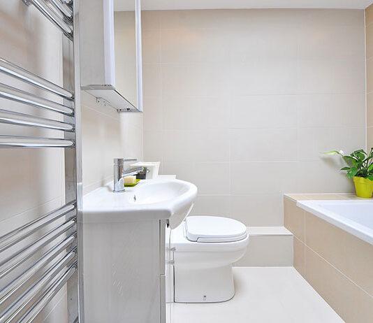 3 sposoby na optyczne powiększenie małej łazienki